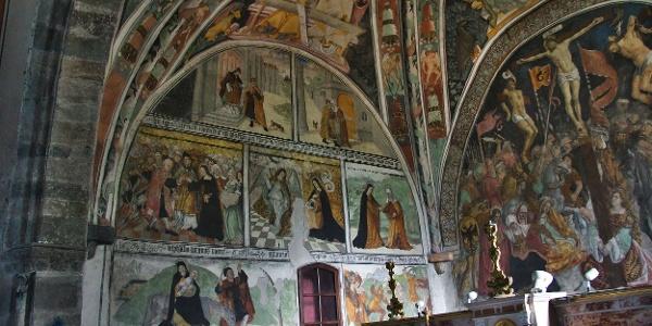 Etappe 1: Fresken in der Kirche Elva