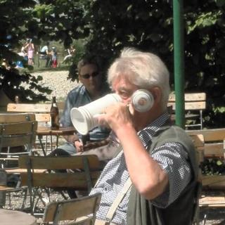 """Zum Schorsch """"Fischbach"""", Werbefilm vom Biergarten"""