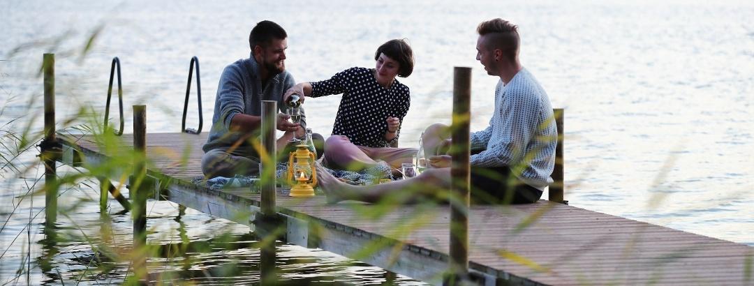 Mache dein eigenes Picknick am See
