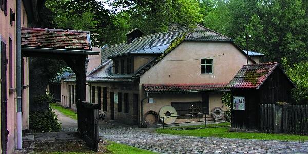 Eines der drei Museen der Stadt Roth, die der Museumsweg verbindet: Das Museum Historischer Eisenhammer Eckersmühlen