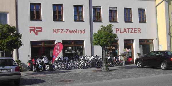 Kfz.- und Zweirad Platzer Massing