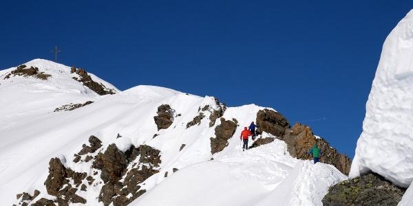 Das letzte Stück des Gipfelgrates