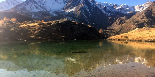 """Glasklares Wasser. Die kleineren und größeren """"Natur-Lacken"""" der Weißbrunner Seenplatte sind nicht nur spannende Gelegenheiten zum Spielen am Wasser, sondern auch besondere Orte zum Krafttanken"""