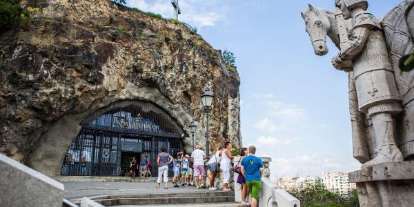 Magyarok Nagyasszonya sziklatemplom a Gellért-hegyen