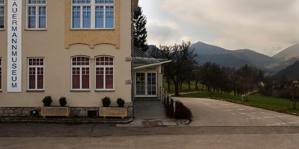 Gauermannmuseum in Miesenbach (Copyright: Wiener Alpen, Foto: Bene Croy)