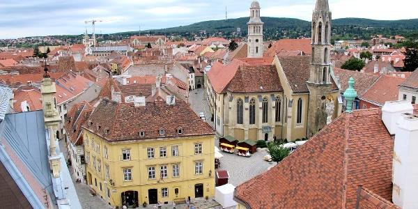 A soproni Fő tér a Tűztoronyból nézve