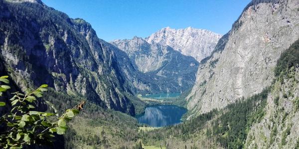 <![CDATA[Blick vom Röthsteig zum Obersee und Königssee]]>