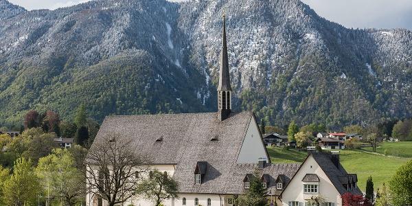 Katholische Pfarrkirche St. Nikolaus von der Flüe   Bayerisch Gmain