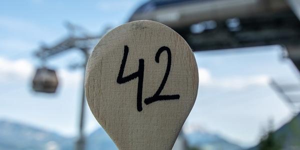 <![CDATA[65 Sitzplätze gibt es auf der Terrasse des Restuarants Halbzeit]]>