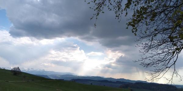 Gewitterwolken über Bern