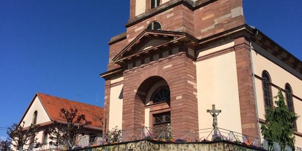 Kirche mit Touristenbüro in Soufflenheim