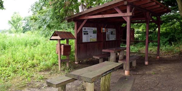 Pihenőhely a bunkerparkban Páka és Csömödér között