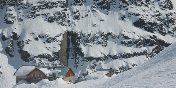 Die Winnebachseehütte im Winter