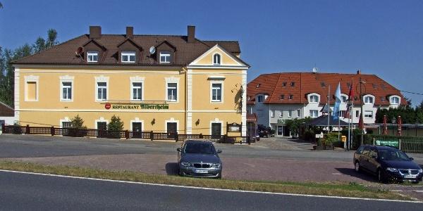 Restaurant Albertheim (links) und Hotel Pesterwitzer Siegel