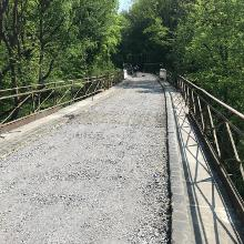 noch nicht asphaltierte Brücke hinter Ochtendung