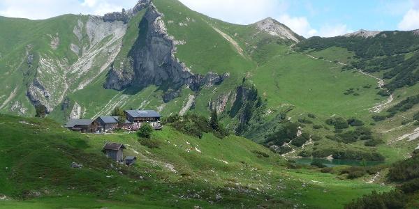 Landsberger Hütte unterhalb der Schochenspitze