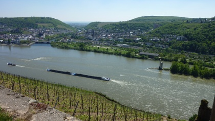 Blick auf den Rhein mit Mäuseturm