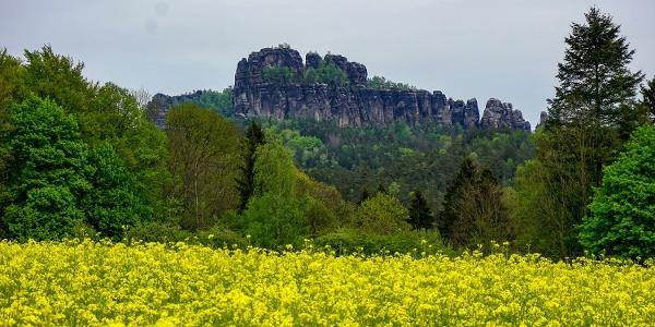 Toller Blick auf die Schrammsteine von der Falkensteinstraße in Ostrau