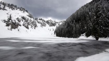 Der noch gefrorene  Soile See