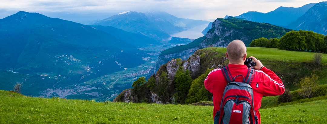 Herrlicher Blick über das Tal von Terme di Comano-Dolomiti di Brenta