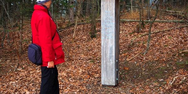 """Stele am Ort der Gefangennahme des """"Schwarz Vere"""""""