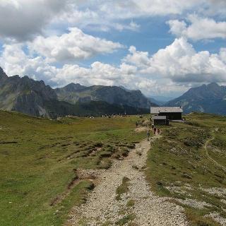 Val Contrin – rifugi Contrin e Passo San Nicolò