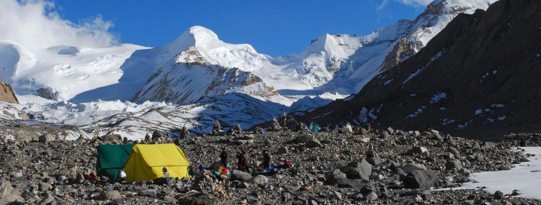 camp-am-unteren-ende-des-kumjungar-gletscher-moraenen-camp- - Bearbeitet für Content Slider