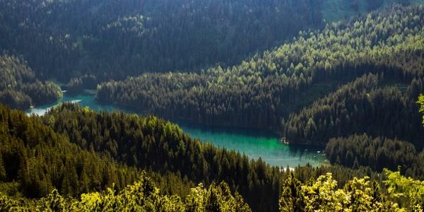 Blick hinunter zum Obernberger See