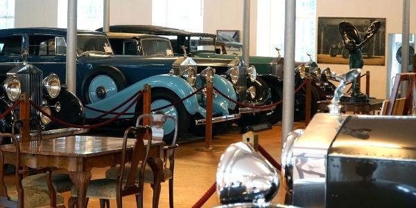 Rolls Royce Automobilmuseum - Blick in die Hall of Fame