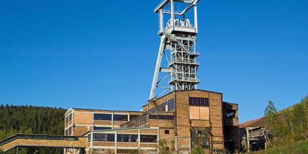 Bergbaulandschaft Uranbergbau Förderturm Schacht 371