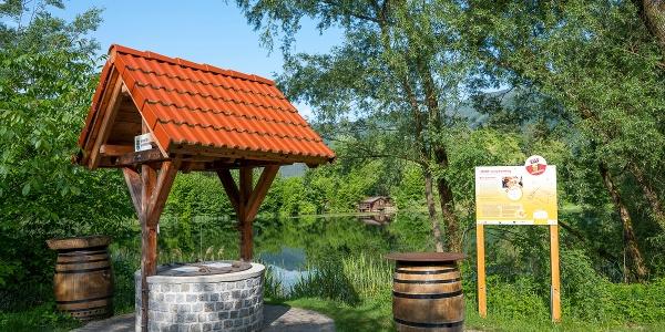 Der Bierbrunnen am Weiglteich