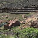 Die Gegend wird/wurde landwirtschaftlich genutzt. Die Gebäude sind oft Ruinen. Sehenswert.