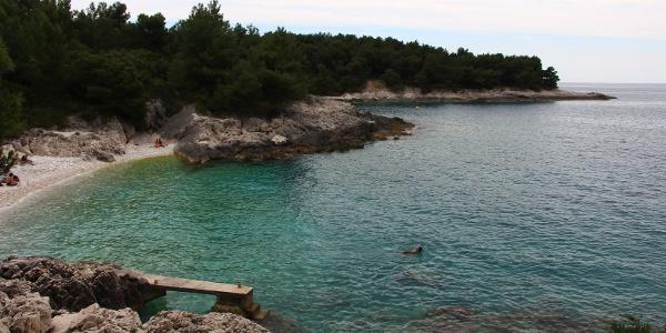 Buchten mit glasklarem Wasser