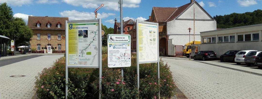 Informationstafeln am Bahnhof Lauterecken