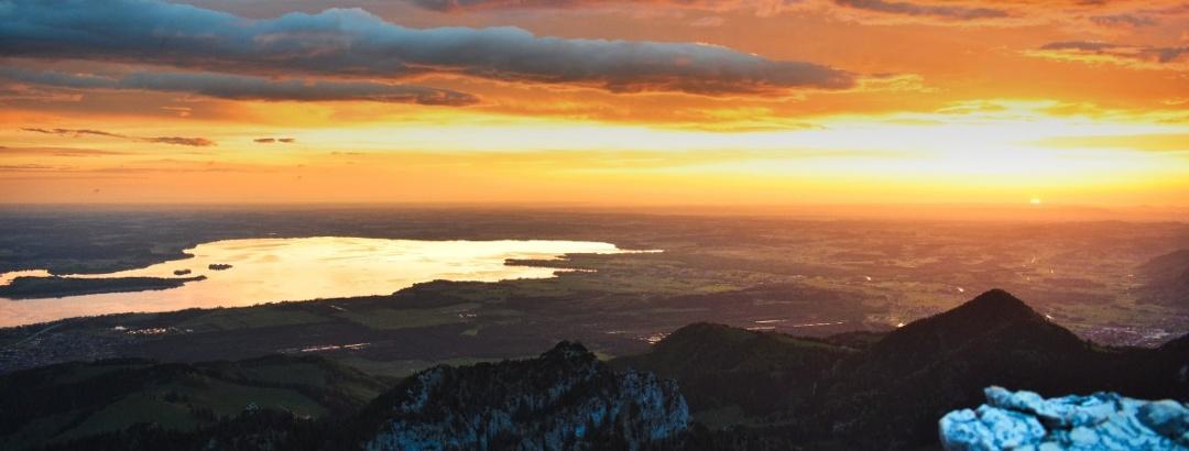 Sonnenaufgang über dem Chiemsee