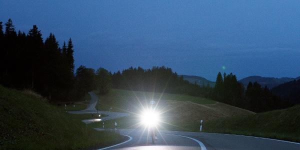 Radfahrer im Dunkeln