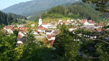 Luče ob Savinji – ein zentraler Ort an der oberen Savinja, einem Hauptfluss in Nordslowenien – Nordostansicht