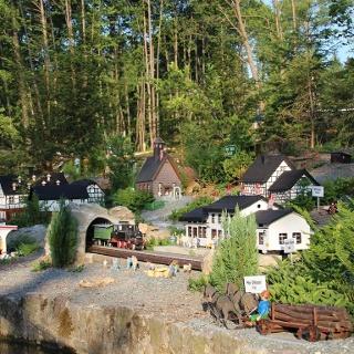 """Miniaturwelt """"Rentners Ruh"""" - Thalheim im Kleinformat"""