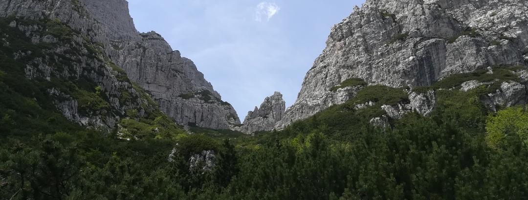 das Ende des langen Aufstiegs: links der Torre Nuviernulis, rechts der Forca Nuviernulis