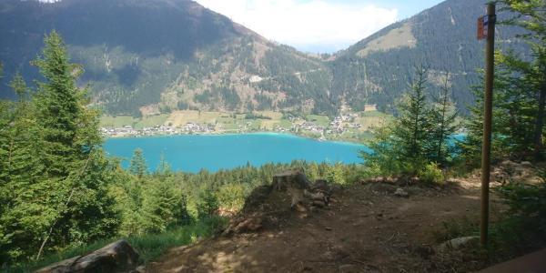 Blick vom Trail auf den Weißensee