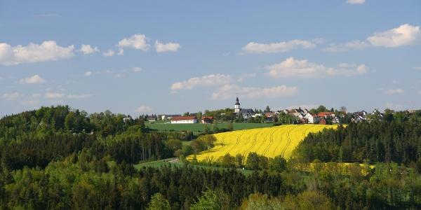 Blick auf die Kirche Reinsdorf bei Greiz