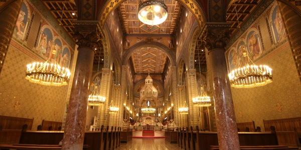 A Szent Péter- és Szent Pál-székesegyház (Pécsi bazilika) főhajója
