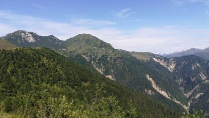 knapp nach der Forc. Meleit ein Blick nach Nordwesten zum Mt. Arvenis