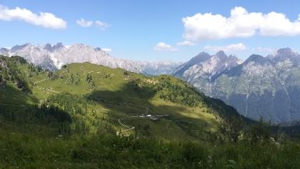nach der Forc. Pièltinis ein Blick nach Nordwesten zur C.ra Vinadia grande und zum Gebirgsstock Creton di Clap Grande (li.) und Mt. Siera bzw. Creta Forata (li.)