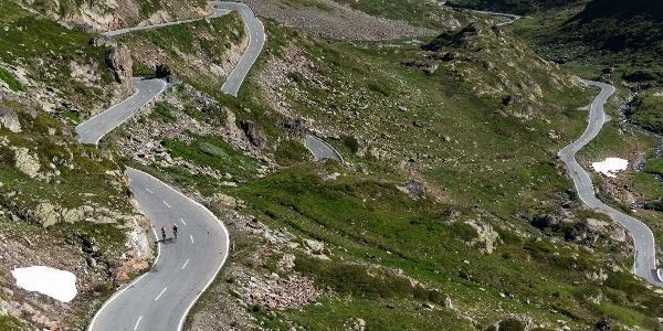 Cyclistes, col du Grand Saint-Bernard