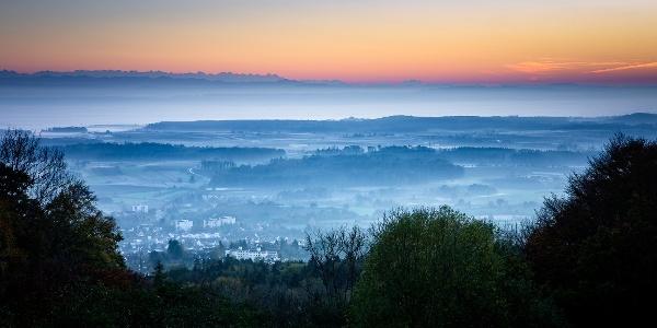 Gehrenbergrutsche mit Blick auf Bodensee und Alpen