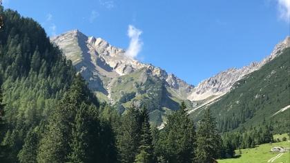 Kurz vor der Latschenhütte Blick zum Muttekopf