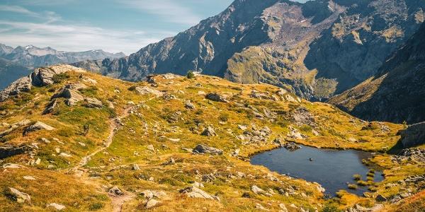 Hiking to Tremorgio and Morghirolo Lakes