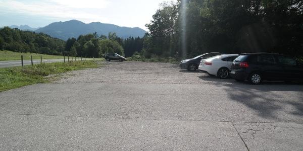 Dieser Parkplatz auf der Paßhöhe ist der Ausgangspunkt der Wanderung.