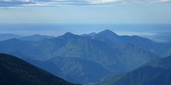 Teleblick von der Baisse du Férisson zum Meer bei Nizza